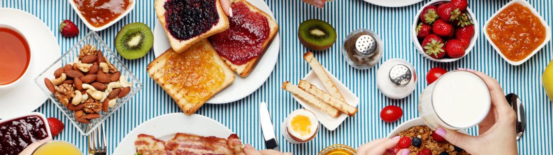 Fyra enkla, snabba och nyttiga frukostförslag att pröva på morgonen